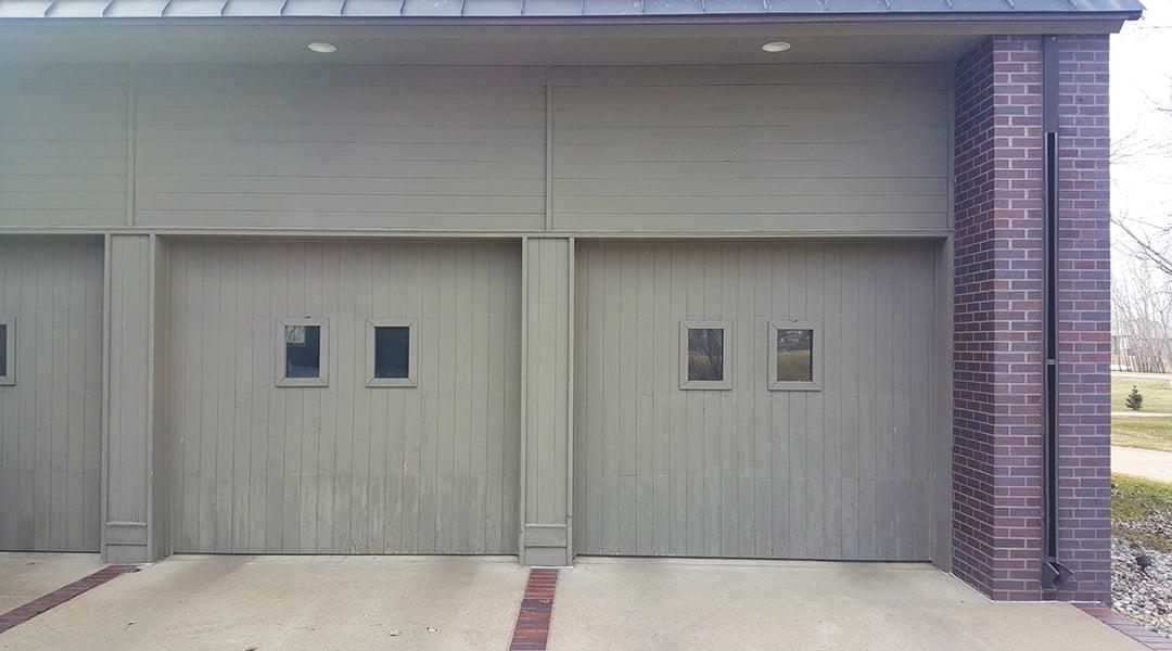 Blog-5 Ways to Determine if You Need a New Garage DoorTW