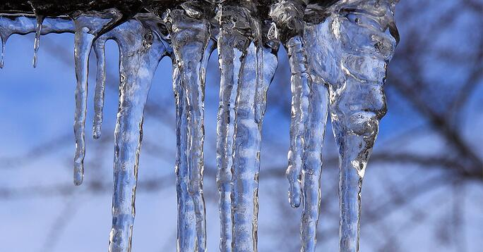 Overhead-Door-Blog-Image-FrozenDoors.jpg