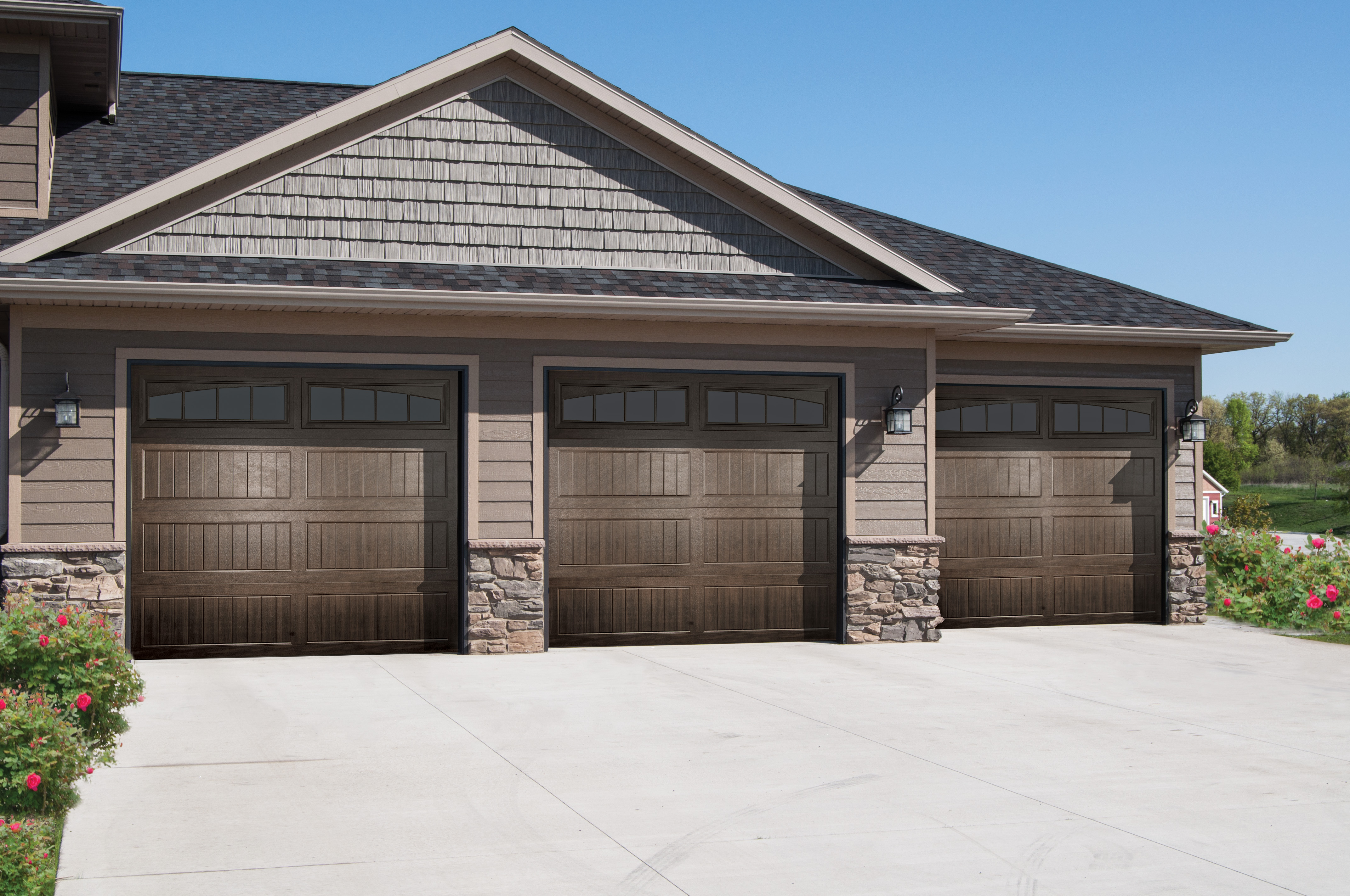 Clean Up: Give Your Garage Door A Spring Scrub