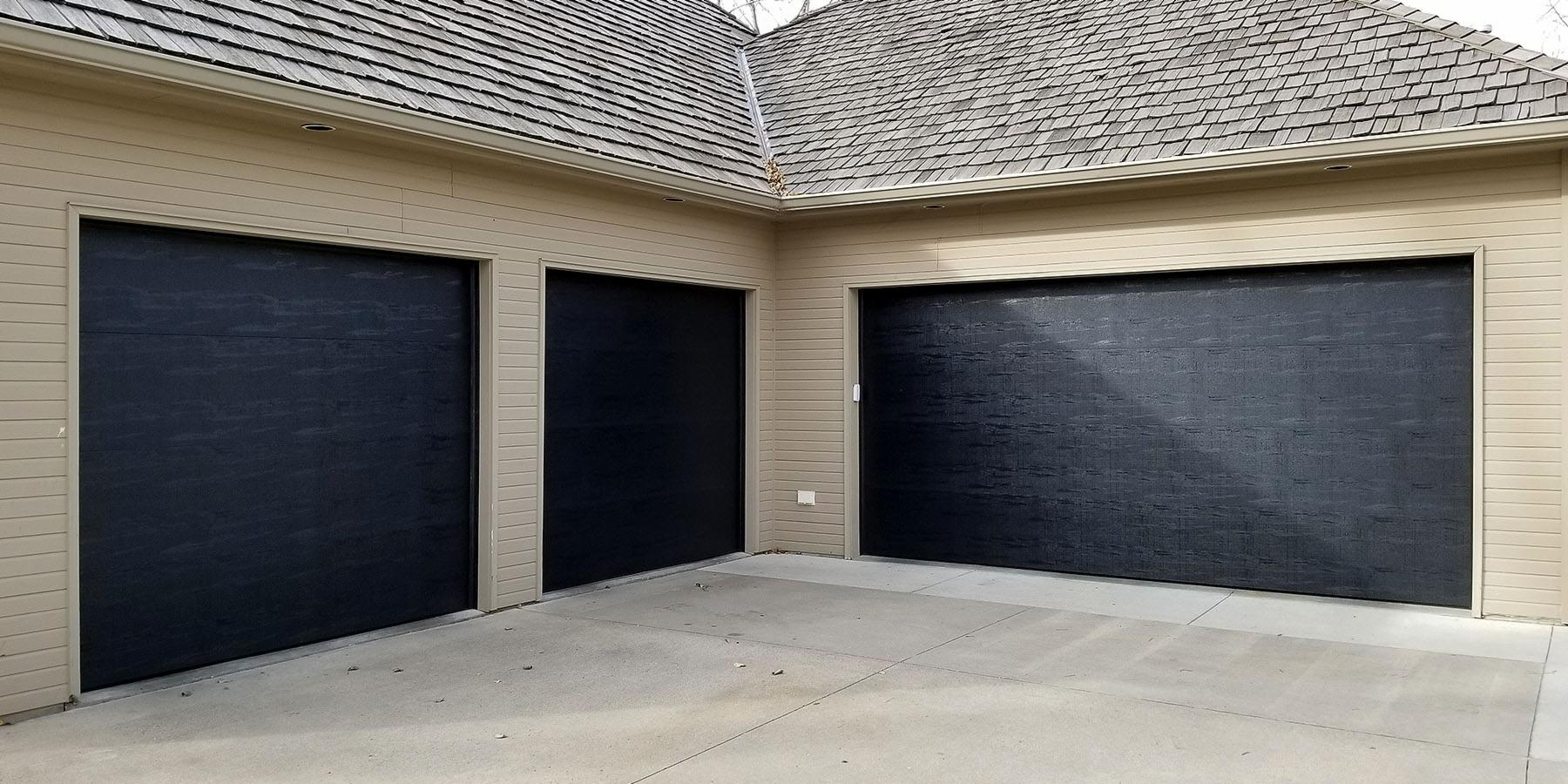 "5 ""Gotta Have It"" 2018 Garage Door Trends"